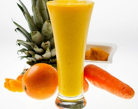 Pineapple, Carrot and Turmeric Smoothie Recipe
