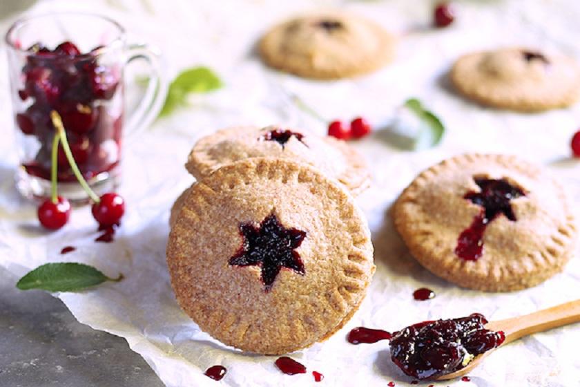 Sweet Cherry Hand Pies Recipe